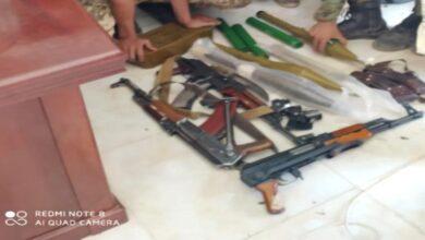 صورة #الحزام_الأمني في #الضالع يضبط أسلحة وذخائر مهربة