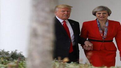 صورة تيريزا ماي تكشف كيف وضعها ترامب في موقف محرج أمام زوجها خلال زيارتها لأمريكا