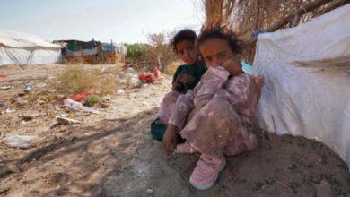 صورة مليشيا الحوثي تكثف قصفها لمدينة مأرب بالصواريخ الباليستية ودعوات لحماية المدنيين والنازحين