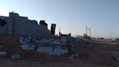 صورة سلطة شبوة الإخوانية تهدم مستودع مواطن في عتق