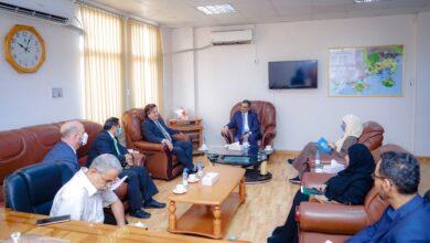 صورة المحافظ لملس يبحث مع ممثل الأمين العام للأمم المتحدة تنسيق الجهود في المجالات الإنسانية والتنموية بالعاصمة عدن