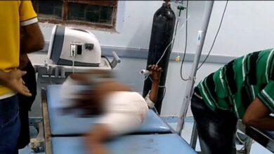صورة استشهاد طفلة متأثرة بجراحها جراء قصف #الحوثيين على #حيس