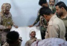 صورة قائد حزام عدن الأمني يزور جرحى تفجير موكب القيادة العامة لألوية الدعم والاسناد