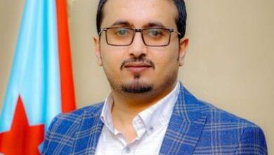 صورة مهاجماً جماعة الإخوان.. العولقي: من يخدم الحوثي هو من أخون مؤسسات الدولة وحول الشرعية إلى مظلة للفساد