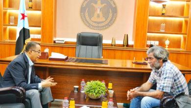 صورة الدكتور الخُبجي يناقش مع مدير مكتب المبعوث الأممي مستجدات الأوضاع في #الجنوب وسُبل تفعيل جهود إحلال #السلام