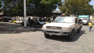 صورة حملة أمنية لمصادرة الدراجات النارية وضبط مروجي حشيش بالعاصمة #عدن