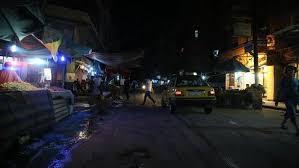 صورة تقرير  وسط عجز حكومي.. انقطاع الكهرباء يفاقم معاناة الأهالي في عدن