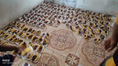 صورة لليوم الثاني على التوالي.. مبادرة شباب فاعل توزع 1000 وجبة إفطار على المسافرين في مداخل العاصمة عدن