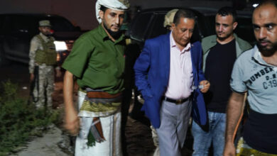 صورة الدكتور الخُبجي وعدد من أعضاء رئاسة المجلس الانتقالي يؤدون واجب العزاء لأسرة فقيد الوطن العميد محمد جواس