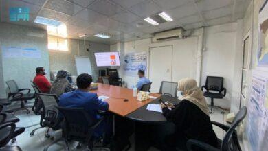 صورة مركز الملك سلمان ينظم بالعاصمة عدن دورة تدريبية للأطباء في مكافحة فيروس كورونا