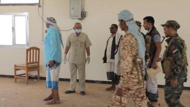 صورة مستشار الرئيس الزُبيدي للشؤون العسكرية يتفقد معهد تأهيل قادة القوات البرية في صلاح الدين