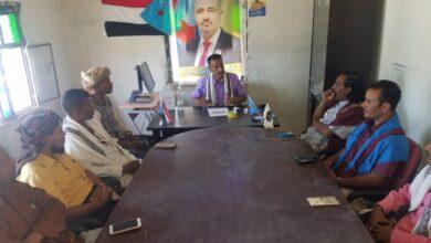 صورة رئيس انتقالي #المسيمير يرأس اجتماعا موسعا لرؤساء اللجان المحلية بالمديرية