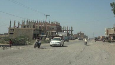 صورة #الحديدة اليمنية.. إصابة إمراتين وقت الأفطار بشظايا قذائف مليشيات #الحوثي في #حيس