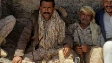 صورة قائد لواء إخواني متمرد يسيطر على مبانٍ حكومية هامة في #مأرب اليمنية