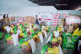 صورة الهلال الإماراتي يوزع اكثر من 1700 سلة غذائية خلال أسبوع على أهالي محافظتي #حضرموت و #شبوة