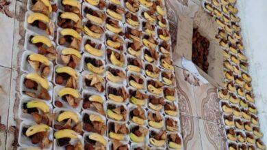 صورة مبادرة شباب فاعل توزع 1000 وجبة إفطارعلى الصائمين بالطرق في مداخل العاصمة عدن