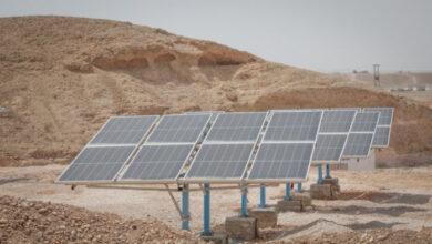 """صورة بدعم من الـ""""يونيسف"""".. تركيب أكثر من 500 لوح شمسي لرفع  إنتاجية المياه في العاصمة عدن والمهرة"""