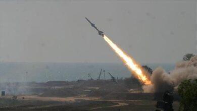 صورة مليشيا الحوثي تقصف مأرب بصاروخ بالستي