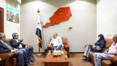صورة رئيس الجمعية الوطنية يلتقي مدير مكتب المبعوث الأممي فـي العاصمة عدن