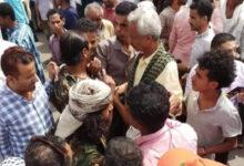 صورة تعز اليمنية.. بلاطجة الإخوان يعتدون على مسيرة منددة بفساد المليشيات