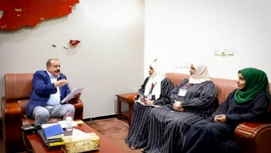 صورة اللواء بن بريك يطلع على نشاط مؤسسة عدن لكفالة الأيتام