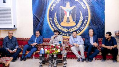 صورة الرئيس القائد عيدروس الزُبيدي يلتقي نخبة من مقادمة وشخصيات اجتماعية من أبناء حضرموت