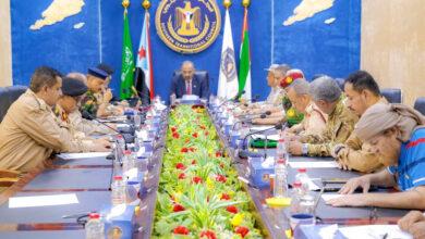 """صورة الرئيس الزُبيدي يطلع على سير المواجهات العسكرية لأبطال القوات المسلحة الجنوبية في """"ثرة والضالع وكرش"""""""