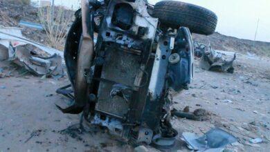 صورة مقتل 3 مدنيين بينهم طفل جراء سقوط صاروخ بالستي حوثي على حي سكني في مأرب