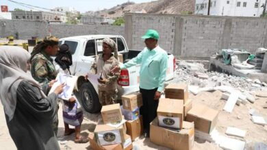 صورة بتوجيهات من اللواء بن بريك.. الجمعية الوطنية ترفد اللواء العاشر صاعقة بكمية من الأدوية والمساعدات الطبية