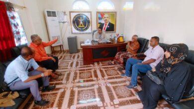 صورة الشعيبي يناقش تطوير المركز الاعلامي بانتقالي المحافظة