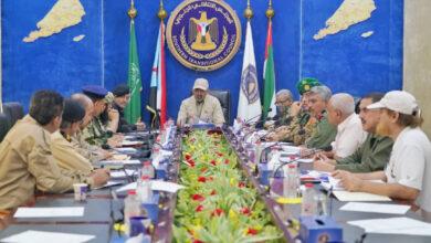 صورة اجتماع  القادة العسكريين والأمنيين: القوات المسلحة الجنوبية لن تقف مكتوفة الأيدي تجاه العبث بأمن واستقرار لودر