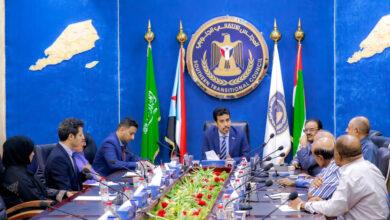 صورة الإدارة العامة للشؤون الخارجية بالمجلس الانتقالي تعقد اجتماعاً موسعاً برئاسة الغيثي