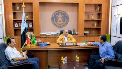 صورة الرئيس الزُبيدي يلتقي نائب رئيس الجالية الجنوبية في ولاية كاليفورنيا الأمريكية