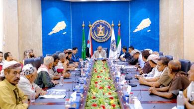 صورة الرئيس #الزُبيدي يلتقي الهيئة التنفيذية لانتقالي #المسيمير وعددا من الشخصيات الاجتماعية والأعيان بالمديرية