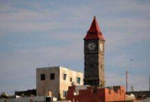 """صورة ساعة """"بيج بن"""" الصغرى.. معلم تاريخي ما زال يقاوم الزمن في العاصمة عدن"""
