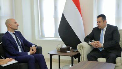 صورة رئيس الوزراء يكشف عن عودة وشيكة لحكومة المناصفة إلى العاصمة عدن