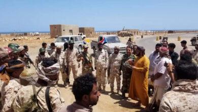 صورة رئيس انتقالي سقطرى يطلع على جاهزية القوات الجنوبية في المحافظة