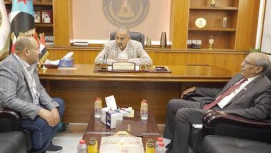 صورة الرئيس #الزُبيدي يلتقي الشيخين عبد الخالق بن حطبين وصلاح علي النهدي