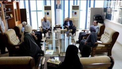 صورة وزير النقل يناقش مع رئيس هيئة المنطقة الحرة إعداد التصاميم والدراسات لمشروع مطار عدن المستقبلي