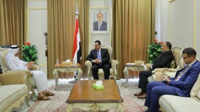 صورة رئيس حكومة المناصفة وسفير الإمارات يؤكدان أهمية استكمال اتفاق الرياض