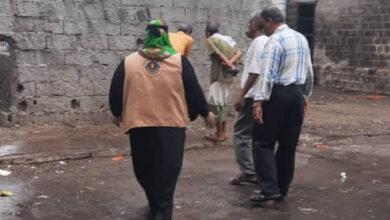 صورة لجنة الإغاثة والأعمال الإنسانية بانتقالي العاصمة عدن تتفقد أضرار الأمطار بالمديريات
